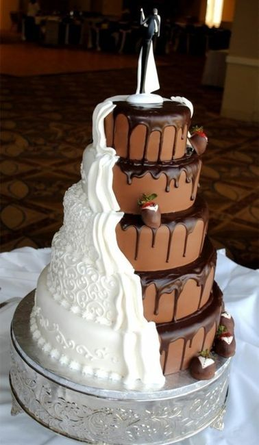 half chocolate half white wedding cake